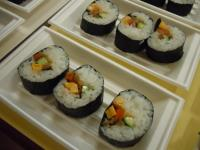 Vinegared rice rolled in dried laver finished product